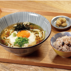 大和芋と玉子の月見うどん ¥1,050