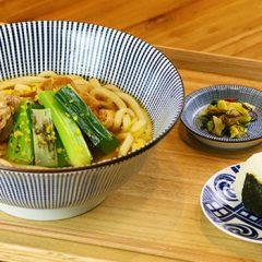 九条葱とあぶり鶏の柚子風味うどん(温・冷)おにぎり付 ¥1,000